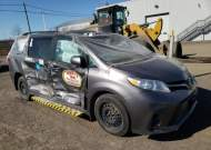 2018 TOYOTA SIENNA LE #1681315622