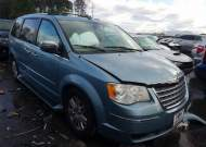 2010 CHRYSLER TOWN & COU #1683872612