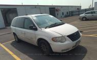 2005 CHRYSLER TOWN & COUNTRY LX #1777502018